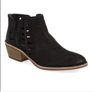 VINCE CAMUTO Peera cut out suede booties